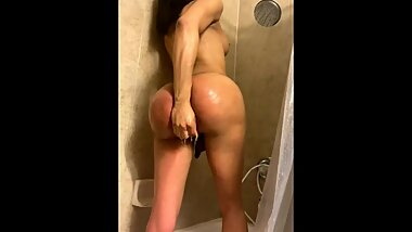 shower twerk with dildo in ass