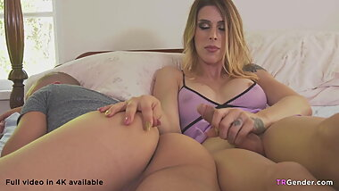 Morning drilling by sexy blonde tranny