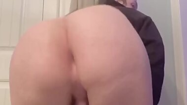Teen Sissy Twerking Her Huge Ass!